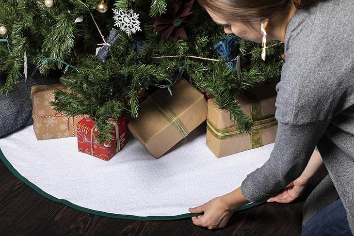 Diy friday geeky christmas tree skirt « set to stunning