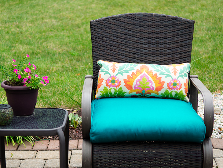 Fantastic How To Make A Lumbar Pillow With Piping Sailrite Short Links Chair Design For Home Short Linksinfo