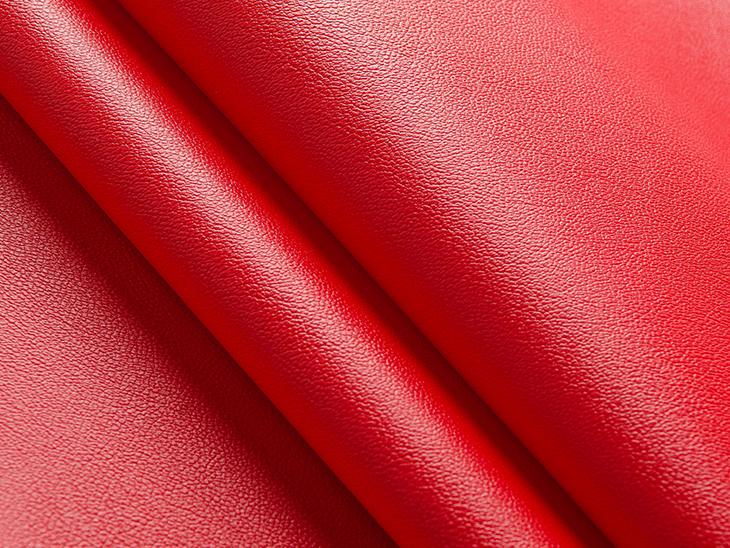 Waterproof Vs Water Resistant Fabrics